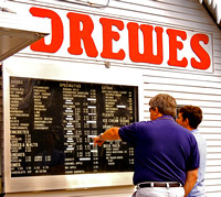 MENU BOARD, TED DREWES (Rt 66 St Louis MO)