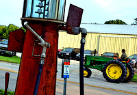 TRACTOR GAS (Lincoln Highway Belle Plaine IA)