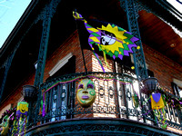 MARDI GRAS DECORATIONS (Vicksburg MS)