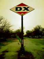LAST DX GAS SIGN (Rt 66 Baxter Springs KS)