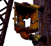 RUSTED CAUTION LIGHT (Rt 66 Chain of Rocks Bridge IL/MO)