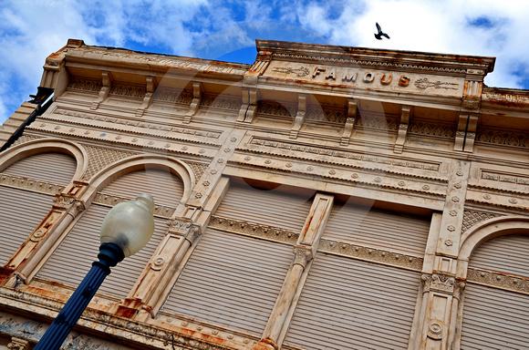 FAMOUS (Cairo IL)