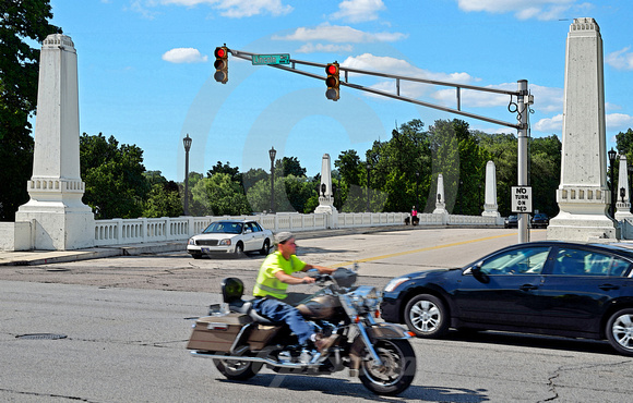 MOTORCYCLE ON LINCOLNWAY (Lincoln Highway South Bend IN)