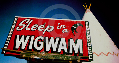 www.rt66pix.com: Route 66 Sampler Trip: Three Images per State &emdash; SLEEP IN A WIGWAM (Rt 66 Holbrook AZ)